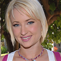 Nora Skyy