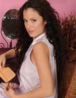 Alejandra KarupsOW   AllOver30