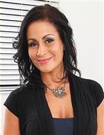 Chloe Santos Karup's