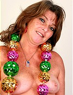 Dodi brunette from OlderWomen
