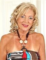 Kamilla AllOver30   Selma B mature.nl