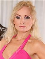 Kyra Blond Karups