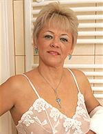 Linda Baby AllOver30   Margit V mature.nl