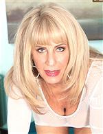 Phoenix Skye   Rae Hart KarupsOW