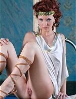 Quarter-gladiator sandals