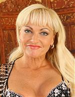 Sadie AllOver30   Renata Anilos