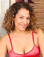 Sofie Taylor AuntJudys