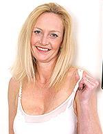 Suzie mature.nl