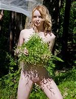 Violetta AmourAngels   ShowyBeauty   Nika D Femjoy