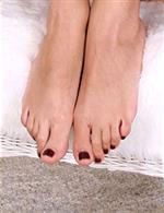 black nail polish toes