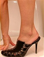 girls wearing shoes like this......