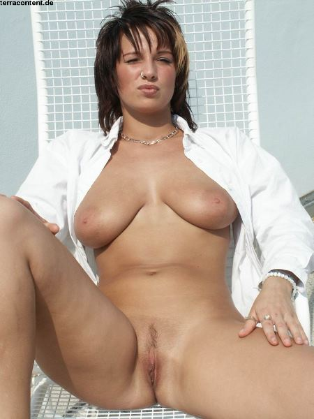 Tumblr wife nude under towel