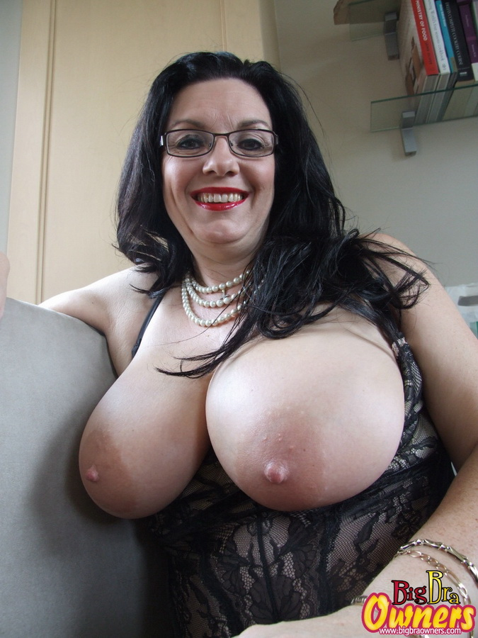 Big tit milfs that cheat